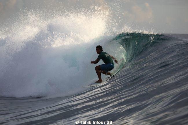 Poenaiki Raioha le champion du monde ISA de SUP surf était également de la partie.