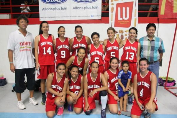 L'équipe féminine de Tahiti qui s'est imposée face à la Nouvelle-Zélande