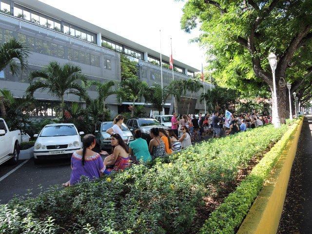 Les représentants des syndicats ont été reçus vers 9 heures au haut-commissariat.