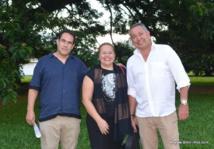 Javier Perez, Lorna Oputu (première adjointe au maire de Mahina) et Rody Sanchez