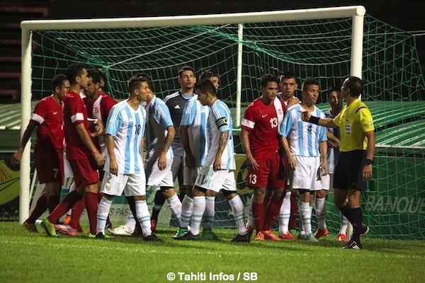 L'ambiance a été exécrable, dans le 1er comme dans le 2e match amical.