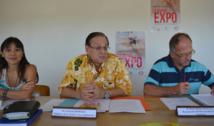 Yolande Mou, responsable du département des programmes de prévention de la direction de la santé ; Patrick Howell, le ministre de la santé ; Henri-Pierre Mallet, du bureau de veille sanitaire.