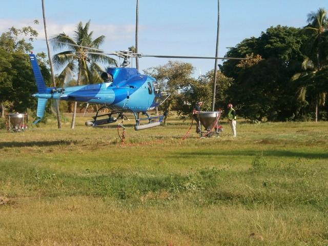 L'hélicoptère lors de ses derniers tests la semaine dernière - Photo Luc Franc de Ferrière