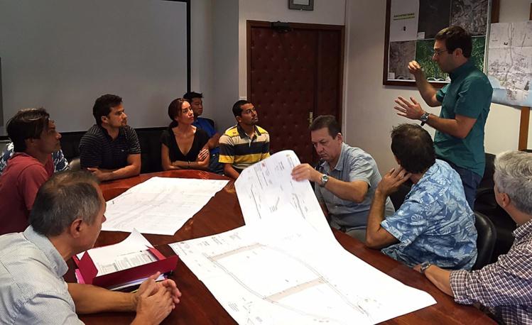 Taharu'u : le gouvernement tente de calmer les surfeurs