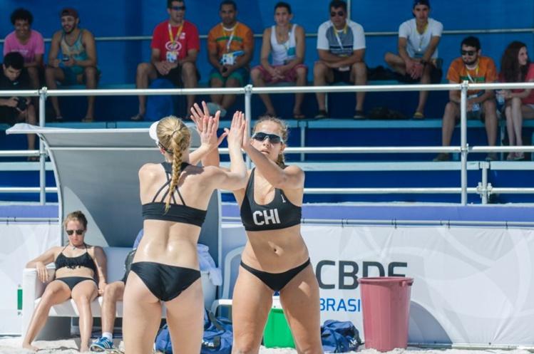 Les Tahitiennes ont battu les Chiliennes 2 sets à 0.