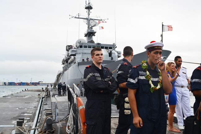 95 personnes composent l'équipage du Prairial dont dix femmes et dix marins polynésiens, volontaires ou engagés dans la marine nationale.