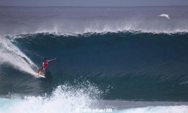 Jérémy Florès, pourtant un spécialiste du surf de récif, s'est blessé au visage