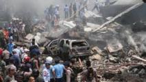 Indonésie: le bilan du crash d'un avion militaire sur la ville de Medan atteint 142 morts