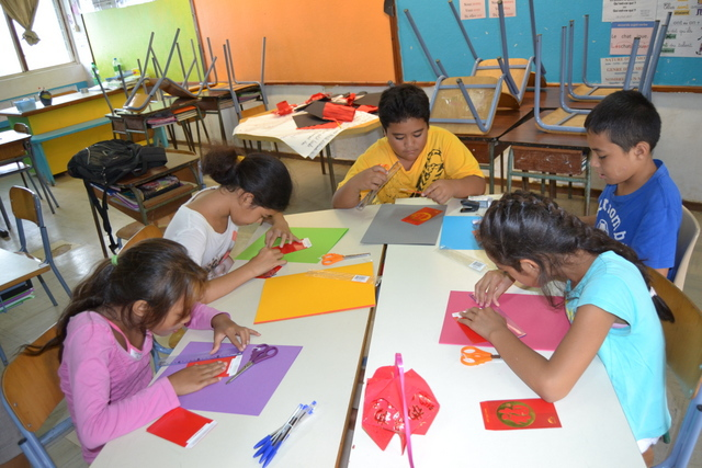 Un atelier d'accompagnement à la scolarité dans une école de Punaauia.