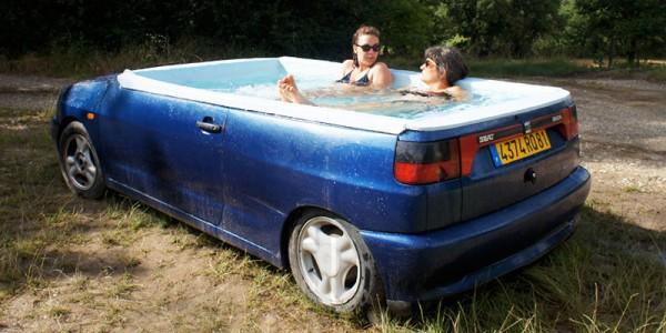 Une voiture jacuzzi pour se rafraîchir lors des grosses chaleurs