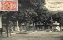 le premier monument aux morts place de la Mutualité à Papeete vers 1920