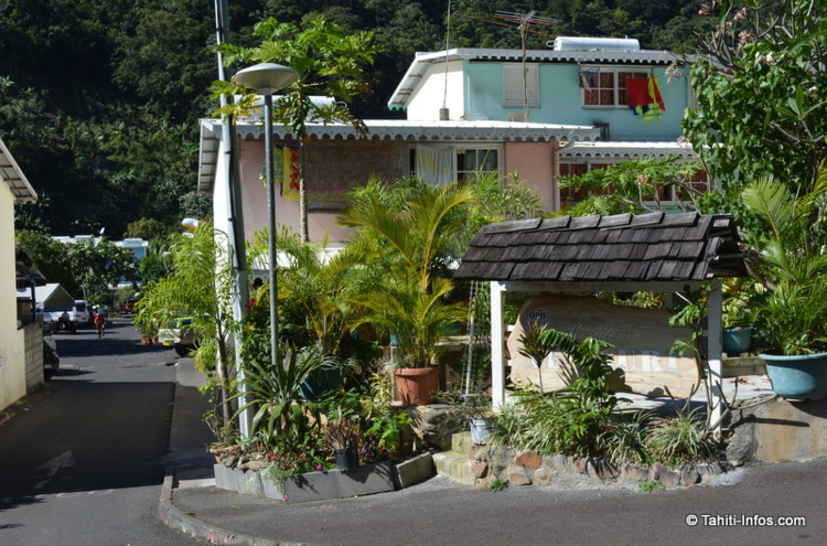 Temauri Village, une vraie petite ville dans la ville, cachée à Titioro.