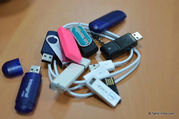 8 clés USB appartenant aux journalistes de la rédaction. Statistiquement, 5 ou 6 seraient infectées…