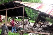 Puissant séisme en Indonésie: bâtiments endommagés, un adolescent porté disparu