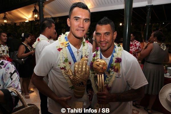 Jonathan Torohia, meilleur gardien et Heimanu Tairaui meilleur joueur de la coupe du monde