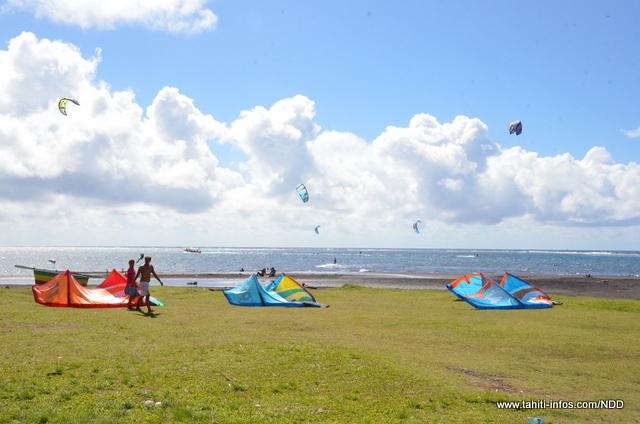 la plage de Motu Martin où l'on pratique le kite à Tahiti