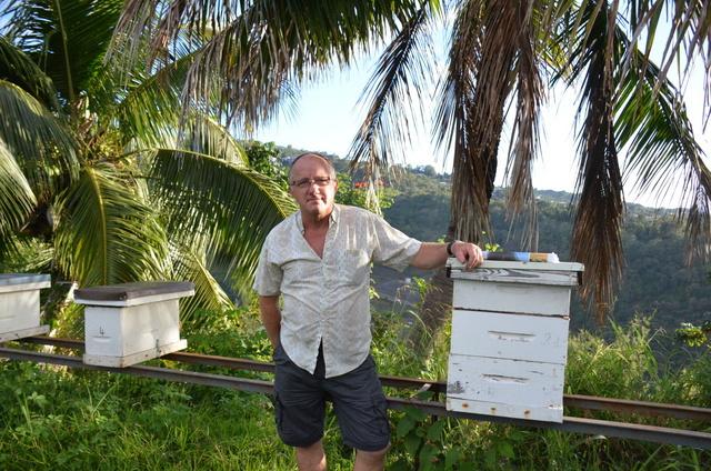 """Stéphane Brouttier : """"J'aimerais qu'on me laisse importer des semences d'abeilles"""""""