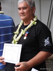"""""""Je n'ai jamais eu d'avertissements, ni de mises à pied en 44 ans de service"""", Mahinui Temarii se félicite de son parcours professionnel."""