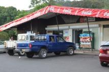 A Teva i Uta, la vente d'alcool est interdite avant 8 heures et après 19 heures du lundi au samedi. Interdiction toute la journée les dimanches et jours fériés.