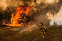 """De """"bons progrès"""" des pompiers en Californie grâce à un climat plus clément"""