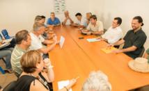 Teva Rohfritsch rencontre les mareyeurs du Port de pêche de Papeete