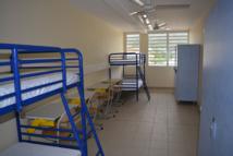 Des dortoirs rénovés équipés pour huit à quatre élèves internes au lycée Gauguin. Ici, un dortoir de quatre places de l'étage des filles.