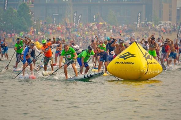Le Gorge Paddle Challenge se déroule sur la côte nord ouest de Etats Unis