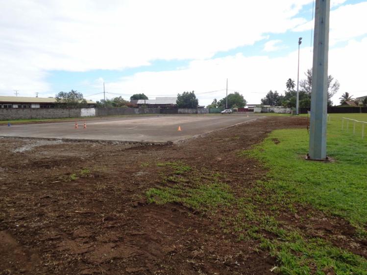 la dalle a été conservée afin de permettre aux habitants de bénéficier d'un plateau sportif
