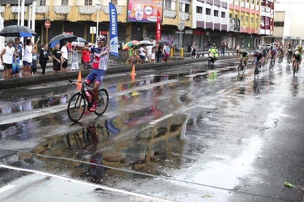 Opeta Vernaudon gagne la 5e étape au sprint