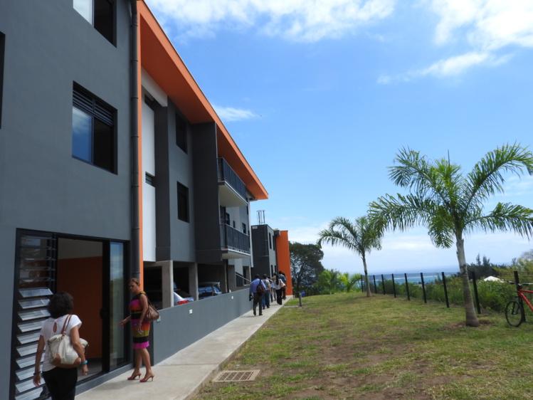 Des habitants de Outumaoro relogés dans une résidence neuve