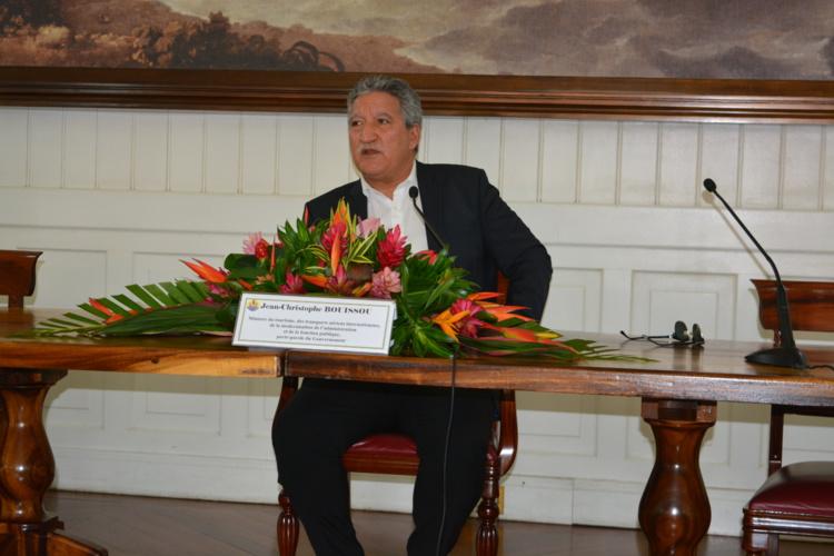 Jean-Christophe Bouissou, porte parole du gouvernement lors de la presentation du compte-rendu du Conseil des Ministres