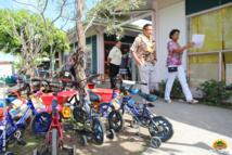 Une clôture de l'aire de jeux et une piste cyclable ont été réalisées à l'école maternelle de Raitama.