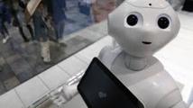 Un homme ivre agresse un robot humanoïde au Japon