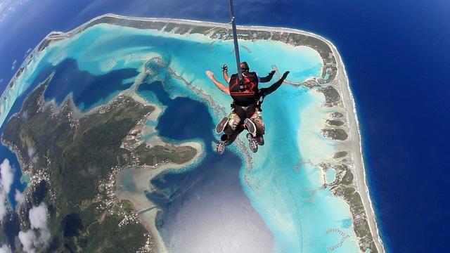 Un projet d'école de parachutisme en Polynésie