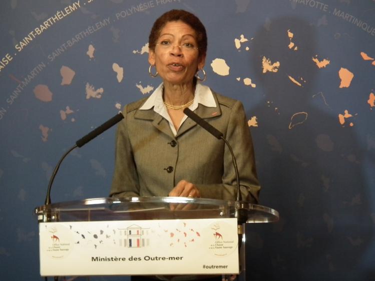 George-Pau Langevin a présidé dans son ministère l'inauguration d'une exposition consacrée à la biodiversité des Outre-mers. Des richesses naturelles que pourront découvrir les visiteurs parisiens des Journées du Patrimoine qui se déroulent ce week-end.