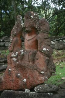 Des tiki contemporains de la restauration du site et du grand Festival des arts qui a suivi. Le lien avec le passé a été renoué.