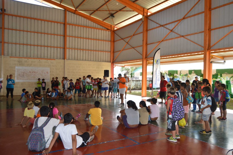 Cents enfants participent cette semaine, à divers animations sportives organisée par Pirae Volley Club