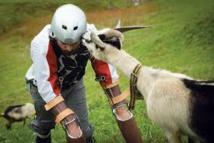 """GB: """"l'homme chèvre"""" raconte la vie de troupeau"""