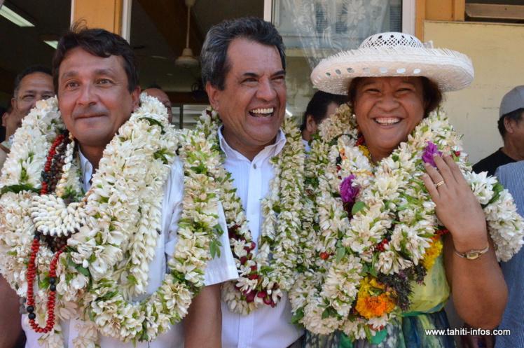 Nuihau Laurey et Lana Tetuanui après l'annonce de leur élection, à l'issue du premier tour des sénatoriales partielles, le 3 mai dernier. Les deux candidats étaient officiellement soutenus par Edouard Fritch et se présentaient sur une liste concurrente de celle validée par le Tahoera'a.