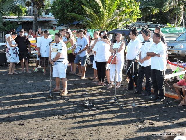 Plusieurs personnalités ont fait le déplacement. Dans son discours, le maire de Mahina, Damas Teuira a informé que des formations aux gestes de premier secours seront mises en place à destination des jeunes de Hitimahana...