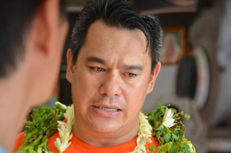 Jean-Paul Tuaiva lors de la campagne pour les élections municipales à Punaauia, en février 2014.