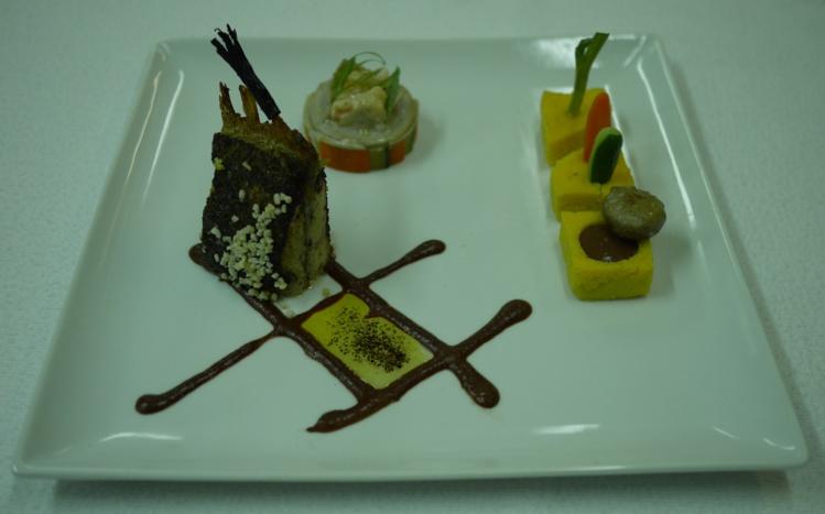 Vid o dans la jungle de calais la vie s organise for Art cuisine tahiti