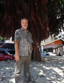 """""""L'outrage du silence"""" : Manahau à la reconquête de la langue tahitienne"""