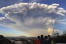 Equateur : le volcan Cotopaxi lâche une colonne de cendres de 2 km de haut
