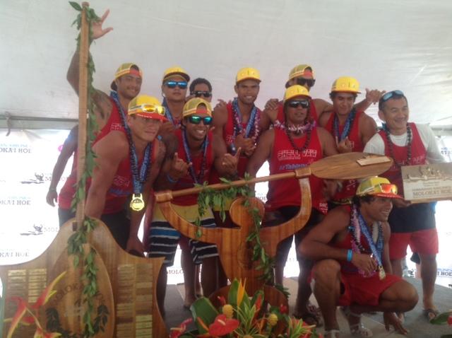 L'équipe de SHELL VA'A sur la première place du podium