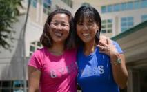 En Floride, 2 infirmières se ressemblent tant qu'elles découvrent être soeurs
