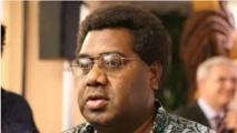 Le week-end dernier, Marcelino Pipite, Président du Parlement de Vanuatu, a profité d'une brève période d'intérim pour assumer les fonctions du Président de la République, en voyage à l'étranger, et décidé de gracier 14 députés, dont lui-même, reconnus coupables de corruption.