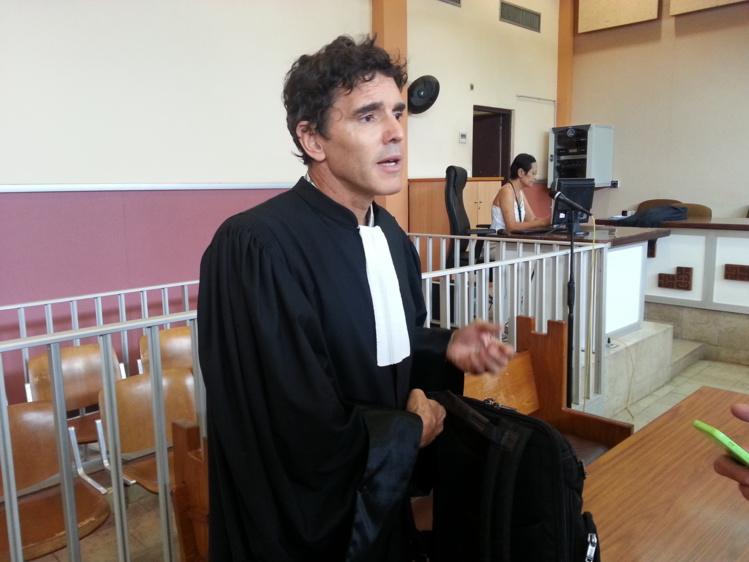 L'avocat de William Bernier, Me Gourdon, plaidera finalement pour son client le 27 octobre prochain en espérant que William Bernier soit sorti d'affaire après son geste désespéré.