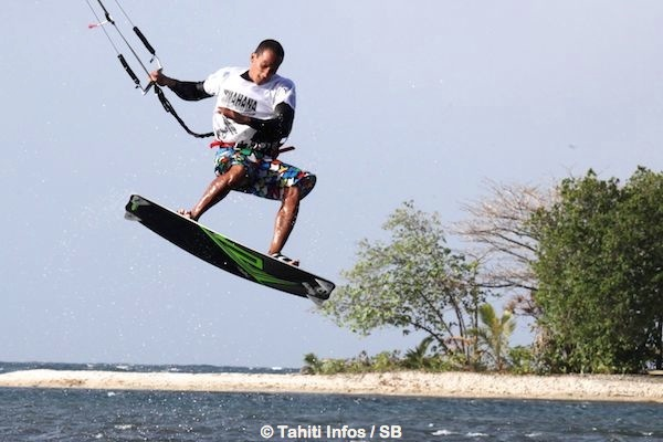 Etau excellait en kite 'freestyle'