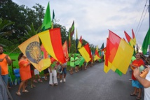 A Papara  dimanche dernier, à l'entrée des bureaux de vote, les couleurs des listes encore course pour le second tour étaient de sortie pour inciter les électeurs à se rallier à leur cause.